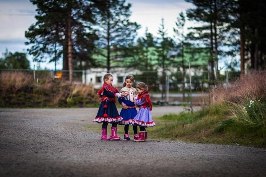 Sámi kids at Inari village